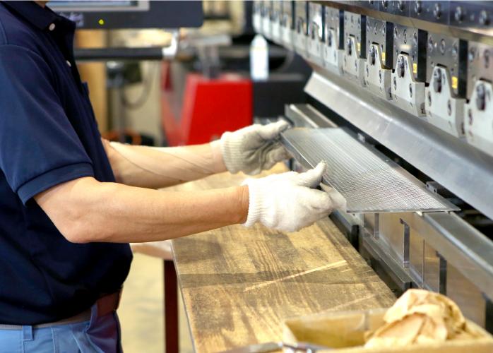 タレットパンチプレス機での製作
